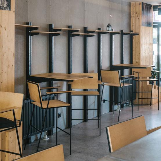 Metalni stolovi i stolci